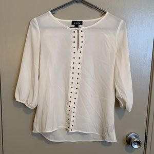Thin and lightweight blouse!